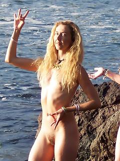 Hairy Beach Voyeur Pics