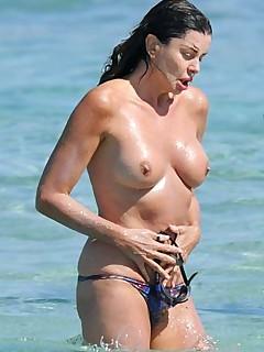 Celebrity Beach Voyeur Pics